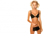 Adriana Karembeu - Wallpapers - Picture 49 - 1024x768