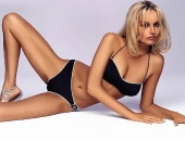Adriana Karembeu - Wallpapers - Picture 12 - 1024x768