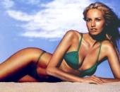 Adriana Karembeu - Wallpapers - Picture 48 - 1024x768