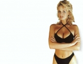 Adriana Karembeu - Wallpapers - Picture 65 - 1024x768