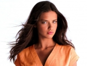 Adriana Lima - Wallpapers - Picture 83 - 1024x768
