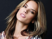 Alessandra Ambrosio - Wallpapers - Picture 187 - 1920x1200