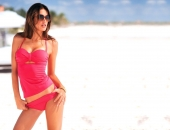 Alessandra Ambrosio - Wallpapers - Picture 293 - 1920x1200