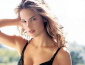 Alessandra Ambrosio - Wallpapers - Picture 311 - 1024x768