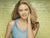 Alicia Silverstone Fair Hair, Almost Blonde