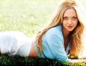 Amanda Seyfried - Wallpapers - Picture 14 - 1920x1200