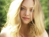 Amanda Seyfried Fair Hair, Almost Blonde
