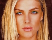 Ana Hickmann Fair Hair, Almost Blonde
