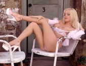 Angela Little - Picture 8 - 720x486