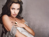 Angelina Jolie - Picture 37 - 1024x768