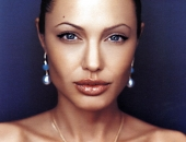 Angelina Jolie - Picture 68 - 1024x768