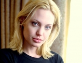 Angelina Jolie - Picture 277 - 1024x768
