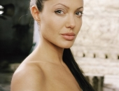 Angelina Jolie - Picture 156 - 1024x768