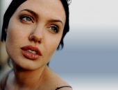 Angelina Jolie - Picture 287 - 1024x768