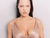 Angelina Jolie - Picture 222 - 1024x768