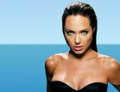 Angelina Jolie - Picture 129 - 1024x768