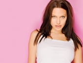 Angelina Jolie - Picture 167 - 1024x768
