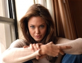Angelina Jolie - Picture 326 - 1024x768
