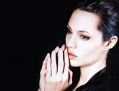 Angelina Jolie - Picture 207 - 1024x768