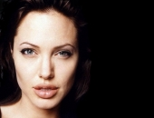 Angelina Jolie - Picture 306 - 1024x768