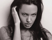 Angelina Jolie - Picture 233 - 1024x768