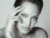 Angelina Jolie - Picture 21 - 1024x768