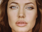 Angelina Jolie - Picture 18 - 1024x768