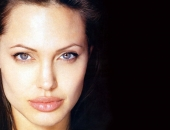 Angelina Jolie - Picture 138 - 1024x768