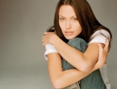 Angelina Jolie - Picture 229 - 1024x768
