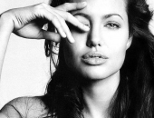 Angelina Jolie - Picture 212 - 1024x768