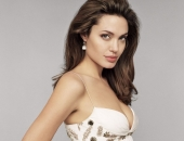Angelina Jolie - Picture 34 - 1024x768
