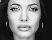 Angelina Jolie - Picture 13 - 1024x768
