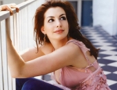 Anne Hathaway - Wallpapers - Picture 39 - 1024x768