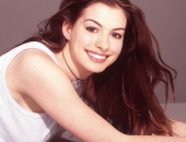 Anne Hathaway - Wallpapers - Picture 28 - 1024x768