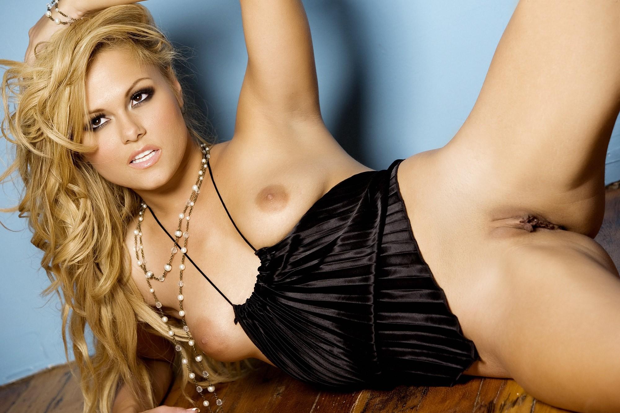 Angelina Armani Nude