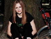 Avril Lavigne - Picture 122 - 1024x768