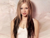 Avril Lavigne - Picture 75 - 1024x768