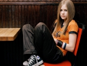 Avril Lavigne - Picture 99 - 1024x768