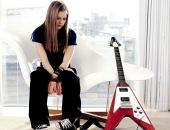 Avril Lavigne - Picture 12 - 1024x768