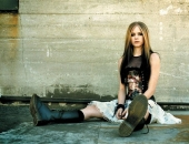 Avril Lavigne - Picture 29 - 1024x768