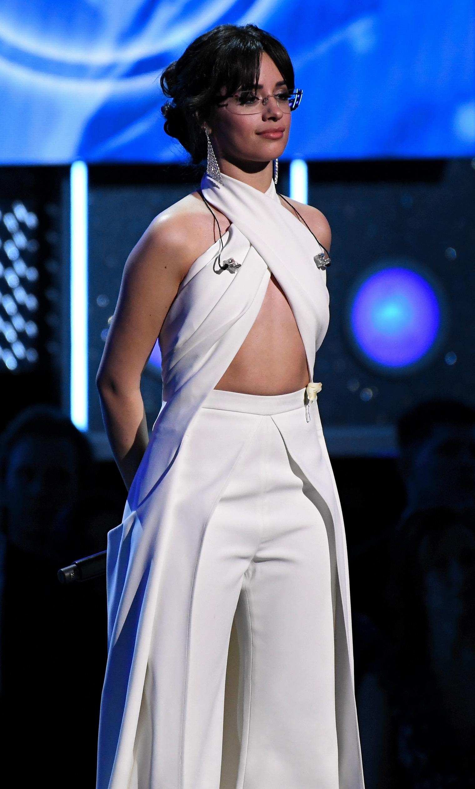 Nude cabello karla camila Camila Cabello