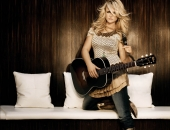 Carrie Underwood - Picture 2 - 1024x768