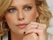 Charlize Theron - Picture 391 - 1920x1200