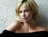Charlize Theron - Picture 386 - 1920x1200