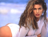 Cindy Crawford - Picture 45 - 1024x768