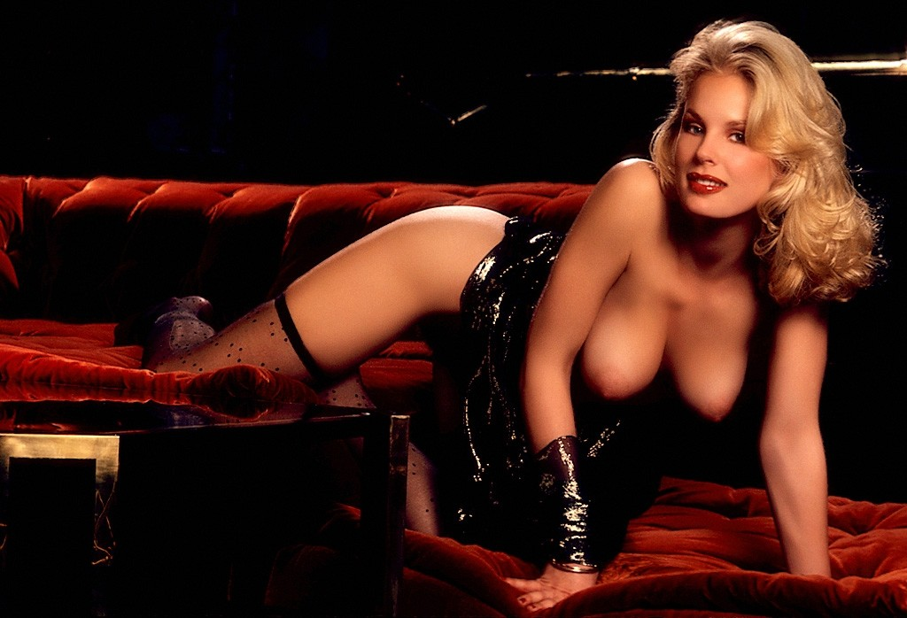 Miranda cosgrove spreads naked legs wide