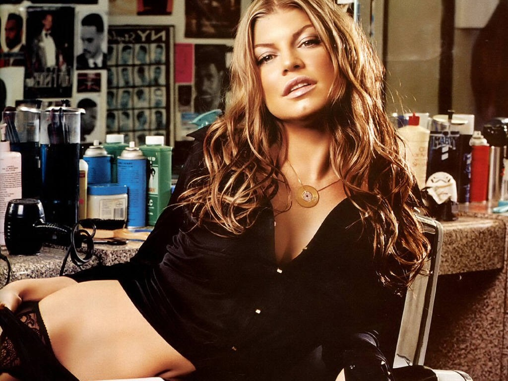 free naked pics of fergie