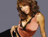Halle Berry - Wallpapers - Picture 100 - 1024x768