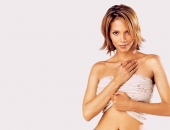 Halle Berry - Wallpapers - Picture 130 - 1024x768