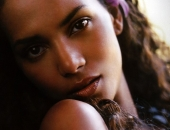 Halle Berry - Wallpapers - Picture 69 - 1024x768